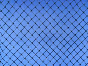 Ochranné sítě na dětská pískoviště PET 15×15/1,1 mm tmavě zelená uzlovaná